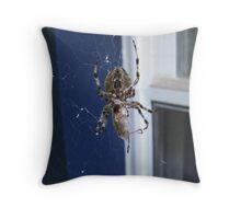 Spider015 Throw Pillow