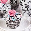 fancy cupcakes by Vilma Bechelli