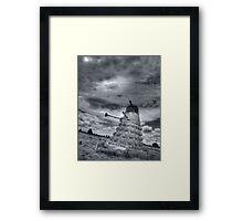 Straw Dalek b&w Framed Print