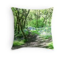 peacefull meadow Throw Pillow
