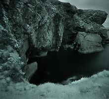 Infra Red - Cliffs & Grass by rennaisance