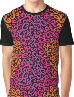 Curlicue Pattern Graphic T-Shirt