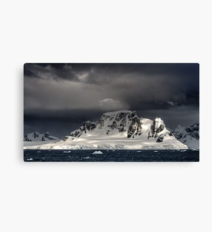 Paradise Harbour Canvas Print