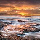 Frazer beach sunrise by damiankafe