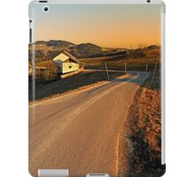Country road into evening scenery | landscape photography iPad Case/Skin