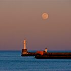 Full moon over Aberdeen pier by mamba
