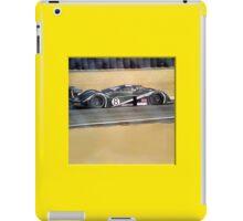24 h de Le Mans - Vintage - Bentley #8 close iPad Case/Skin