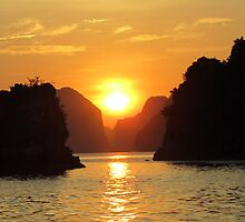 Sunset in Halong Bay by ciaobella2u