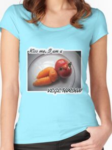 Kiss me, I am a vegetarian Women's Fitted Scoop T-Shirt