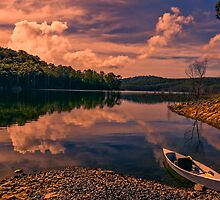 Dam Canoe... by Tracie Louise