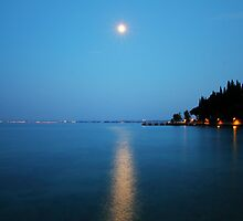 Sirmione (Italy) - Moonlight on water by mariosa