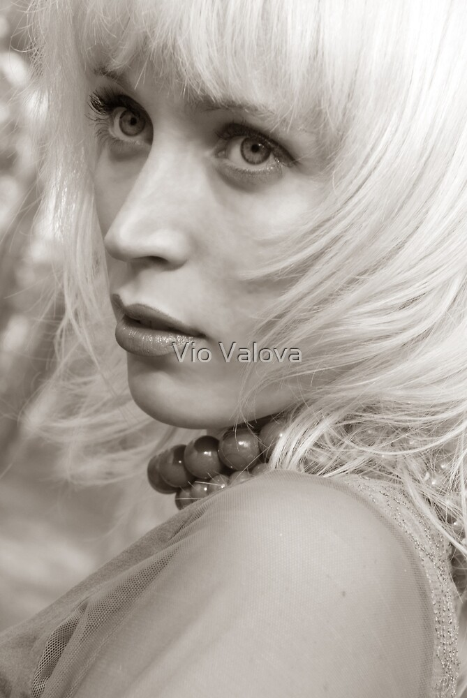 Blond by VioDeSign