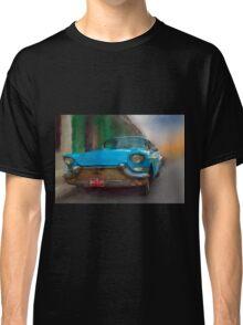Old Blue Car. Cuba Classic T-Shirt