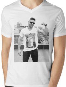 Julian Edelman Shirtsception Mens V-Neck T-Shirt