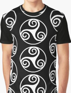 Celtic Triskele in Circle Graphic T-Shirt