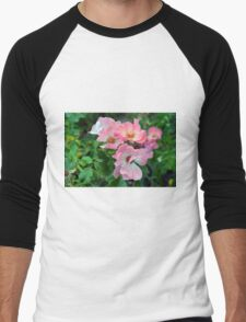 Beautiful small light pink flowers in the garden. Men's Baseball ¾ T-Shirt