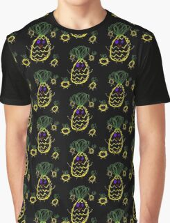 Mummy Pineapple and Her Babies Graphic T-Shirt