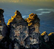 The Three Sisters at Sunrise - Blue Mountains, Australia by Splendiferous Images