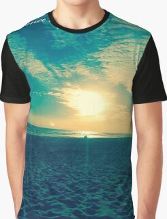 BEACH AND SUNSET Graphic T-Shirt