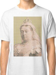 I'm Not Amused - Gold Classic T-Shirt