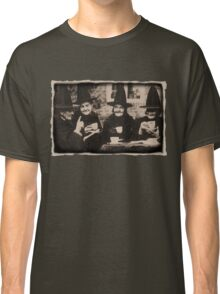 Witches Tea Party - old black/white Classic T-Shirt