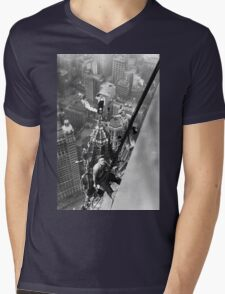 Vintage Photo of Workers in New York Mens V-Neck T-Shirt