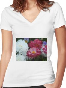 Pink and white Daisy Women's Fitted V-Neck T-Shirt