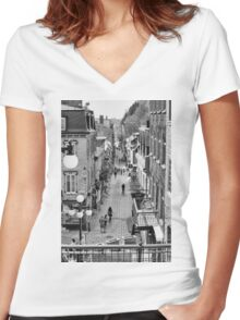 Rue du Petit Champlain Women's Fitted V-Neck T-Shirt