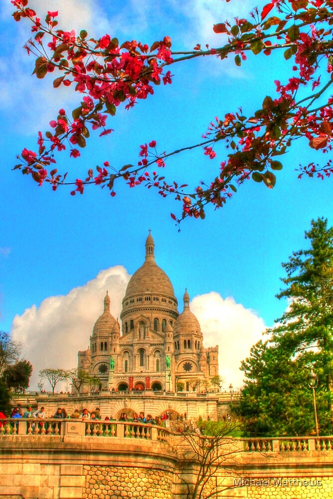 Sacre Couer framed by nature by Michael Matthews