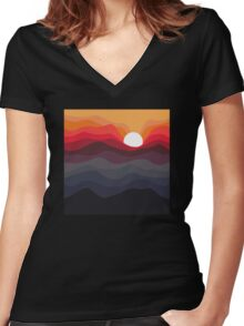 Outono Women's Fitted V-Neck T-Shirt