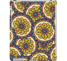 green doodle flower pattern iPad Case/Skin