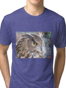 Great horned owl profile Tri-blend T-Shirt