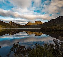 Cradle Mountain Blues by tinnieopener