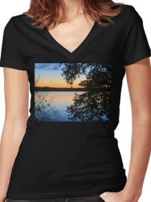 Glorious Sunset Women's Fitted V-Neck T-Shirt