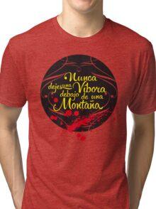 Nunca dejes una Víbora debajo de una Montaña Tri-blend T-Shirt