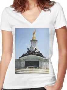 Buckingham Palace fountain Women's Fitted V-Neck T-Shirt
