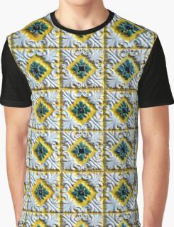 Portuguese azulejos: Raised white swirls and green flowers  Graphic T-Shirt