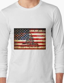 American Flag And Viper On Rusted Metal Door - Don't Tread On Me Long Sleeve T-Shirt