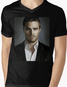STEPHEN AMELL Mens V-Neck T-Shirt