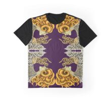 Cobra en face Graphic T-Shirt