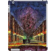 STREET SCENE 2D1,LONDON iPad Case/Skin