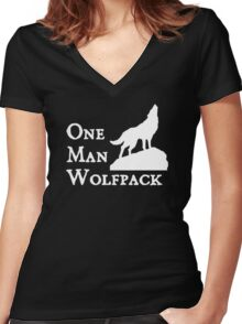 one man wolf pack Women's Fitted V-Neck T-Shirt