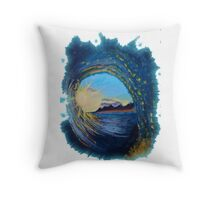 In the eye of the wave Throw Pillow