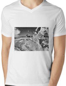 'Atlantic Spray' Mens V-Neck T-Shirt