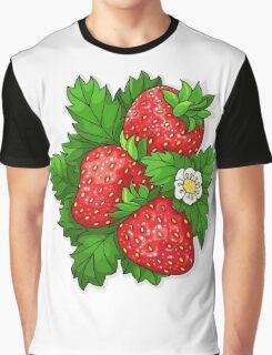 Ripe juicy strawberries Graphic T-Shirt