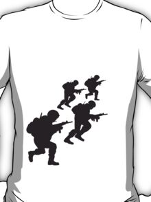 Attacking charging soldiers T-Shirt