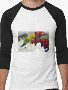 Macro on colorful flower petals. Men's Baseball ¾ T-Shirt