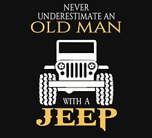 Never underestimate an old man with a jeep tshirt Unisex T-Shirt