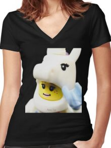 Do you believe in Unicorns? Women's Fitted V-Neck T-Shirt