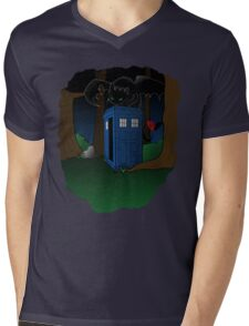 Toothless and The Tardis Mens V-Neck T-Shirt